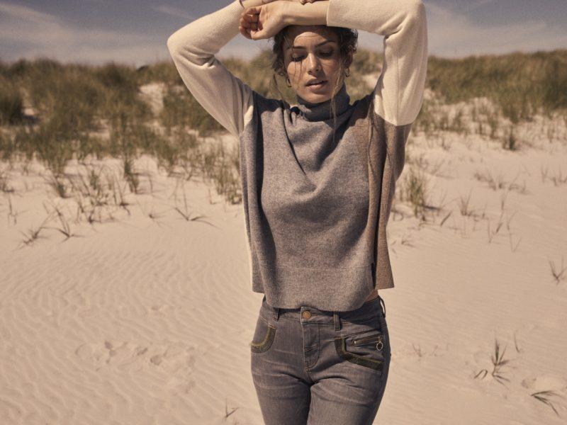 134550 Layla Rollneck Knit – 135331 Naomi Shade Jeans_1